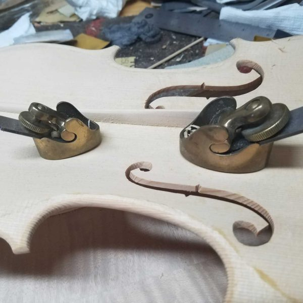 Luthier, Violin workshop